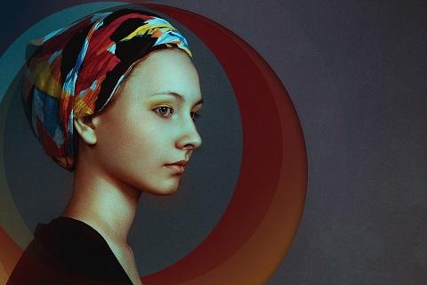 Kolorowe chusty dla pacjentek onkologicznych