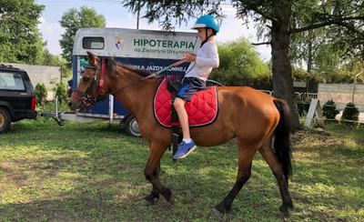 Hipoterapia dla potrzebujących dzieci na warszawskim Ursynowie