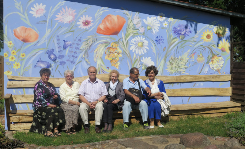 Wolontariat seniorów i aktywizacja obywatelska młodzieży
