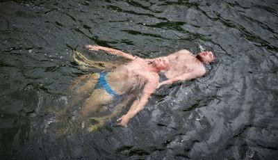 Letni wypoczynek nad wodą tylko pod opieką wykwalifikowanego ratownika