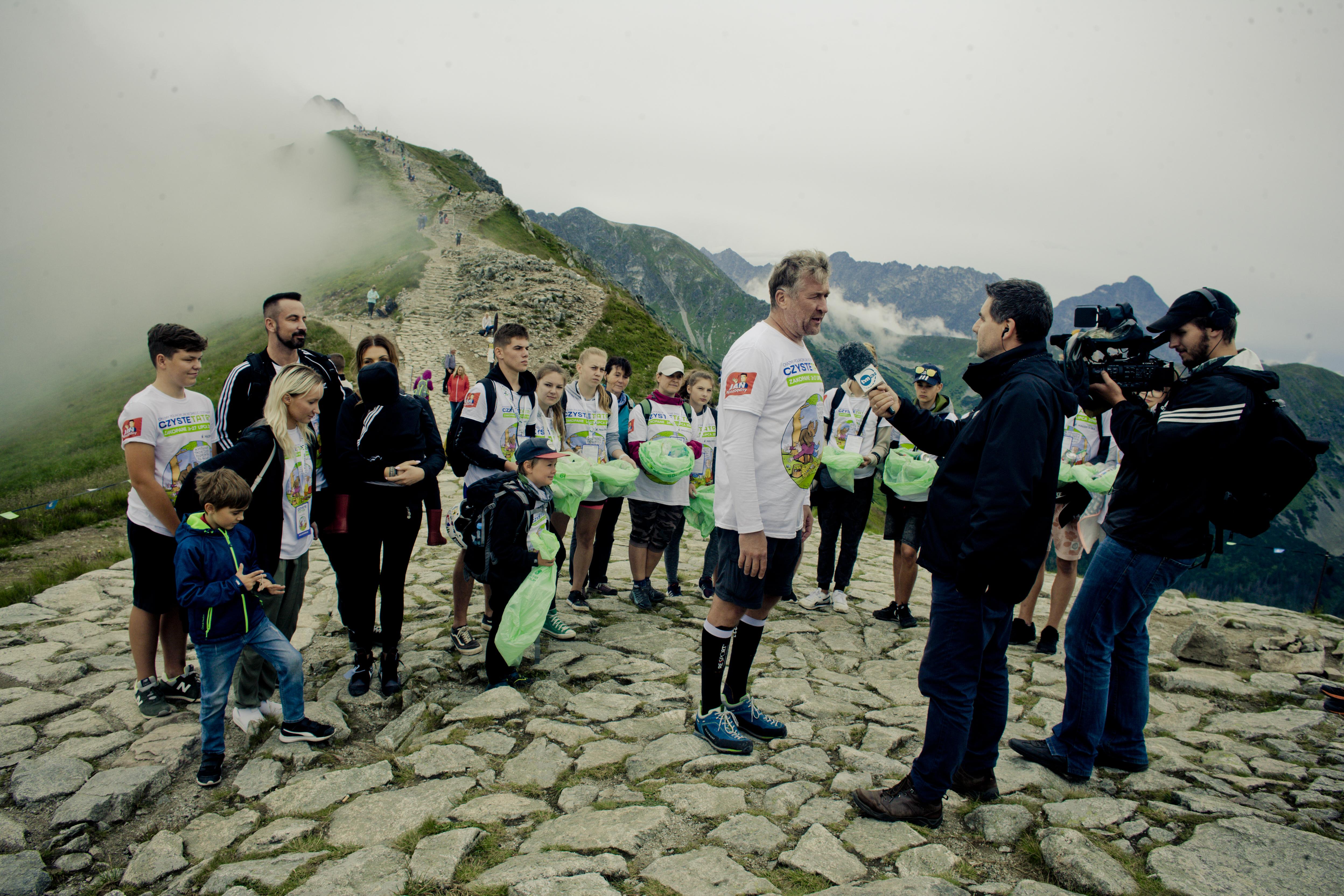 Sprzątają Tatry i uczą dbałości o środowisko naturalne