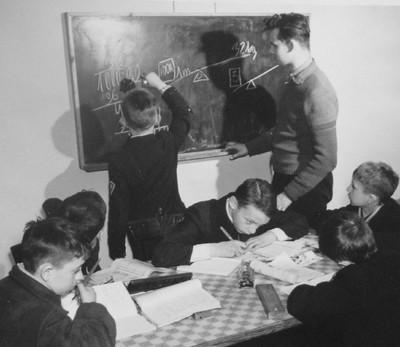 W Warszawie prowadzą pracę wychowawczą i edukacyjną z dziećmi i młodzieżą. Zaczęli już w 1928 roku.