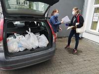 Grupa społeczna Senior w Koronie pomaga najbardziej potrzebującym w Warszawie i okolicach