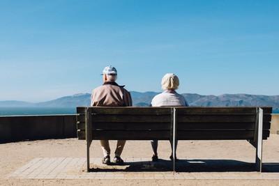 Wsparcie dla opiekunów i osób starszych w Warszawie